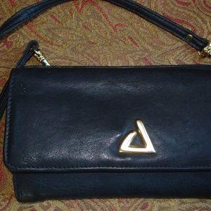 Princess Gardner black leathe zip crossbody clutch